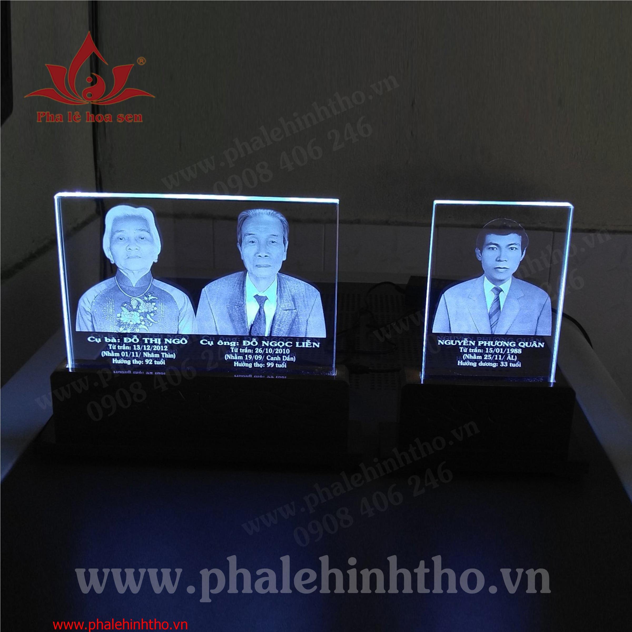 Pha lê khắc laser 25x18x1,5cm