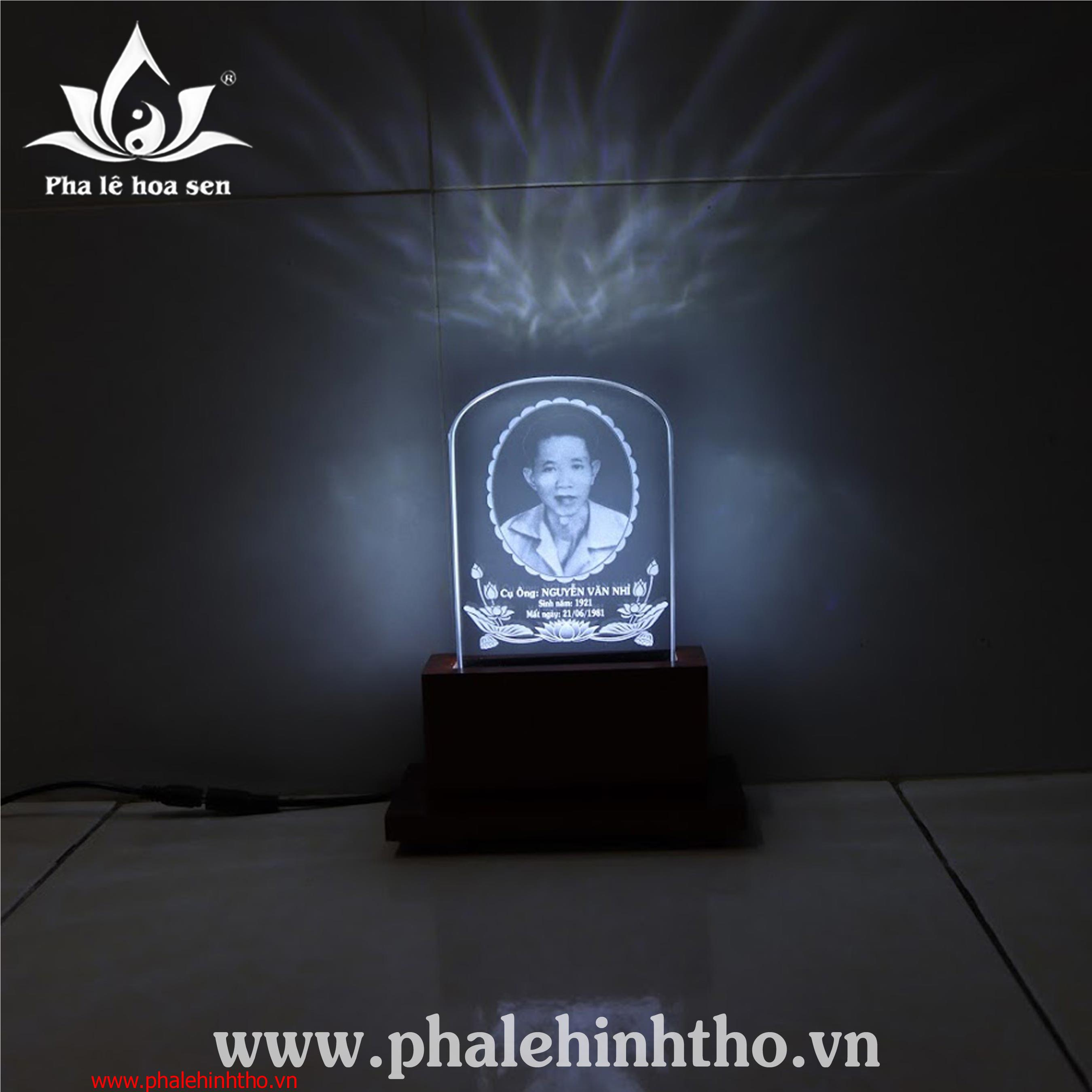 Pha lê ảnh thờ khắc laser 10x15cm
