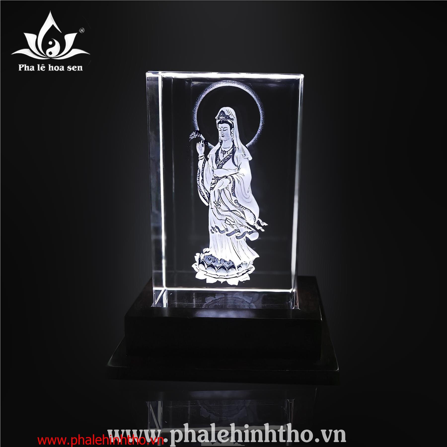 Quan âm khắc 3D kích thước 10x15x6cm
